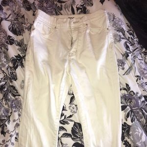 BDG Urban Outfitters White high waisted jeans